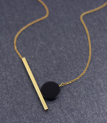 Geometric black moon short necklace