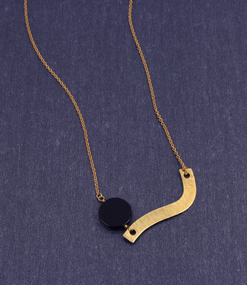 Long Curve mobile necklace