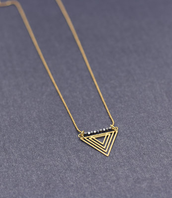 Long triangle necklace with hematite