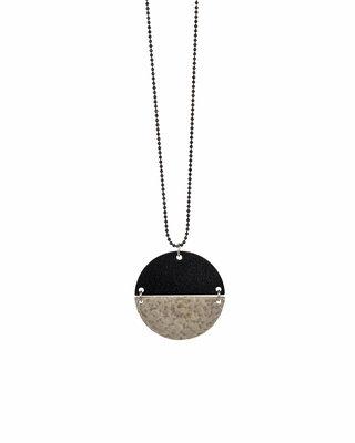 Silver black round necklace