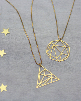 Graphic pendant geometric necklace