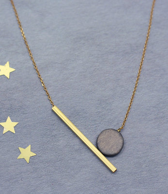 Geometric balance short necklace