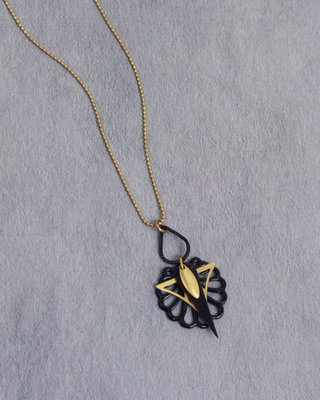 Art deco small black fan golden necklace