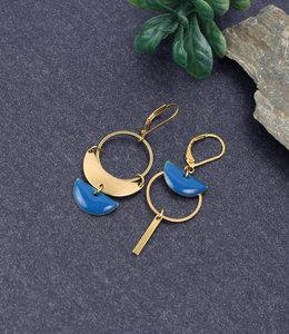Asymmetric circles earrings