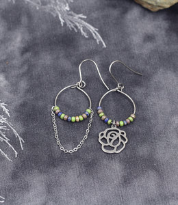 Flower mismatched earrings